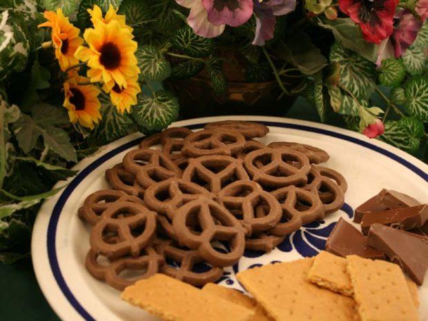Chocolate Graham Pretzels