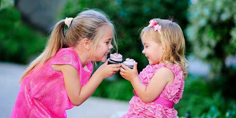 Cupcake Twins